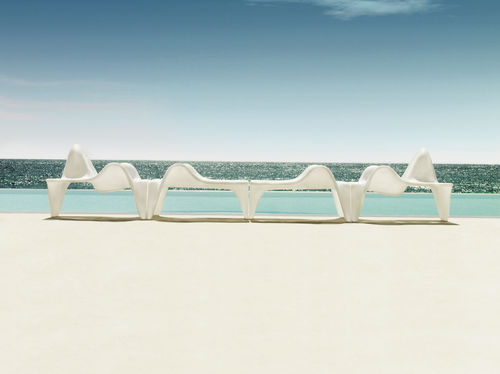 fauteuil design original / en polyéthylène / 100% recyclable / par Fabio Novembre