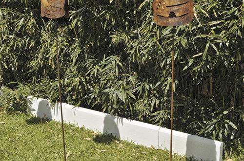 bordure de jardin / en béton / linéaire