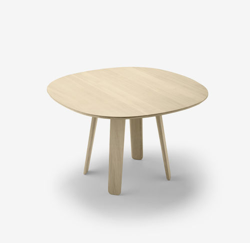 table contemporaine / en chêne / ronde / ovale