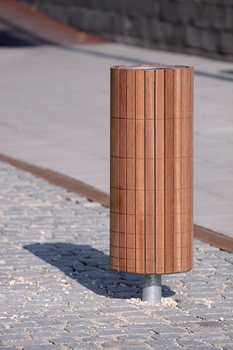poubelle publique / en inox / en acier galvanisé / en bois