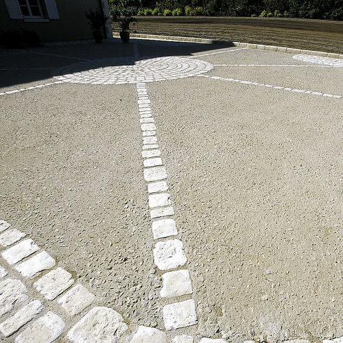 revêtement de sol en béton / pour espace public / routier / résidentiel
