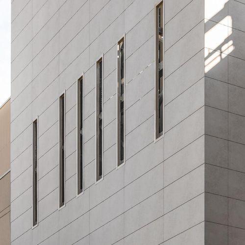 Bardage pour façade ventilée / en céramique / poli / en panneaux BLEND LAMINAM