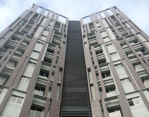 Bardage en céramique / lisse / aspect métal / pour façade ventilée OXIDE: MORO LAMINAM