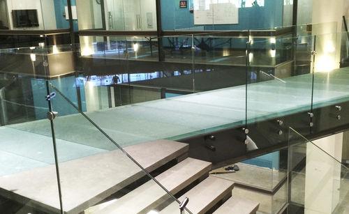 revêtement de sol en verre / professionnel / pour espace public / en dalles