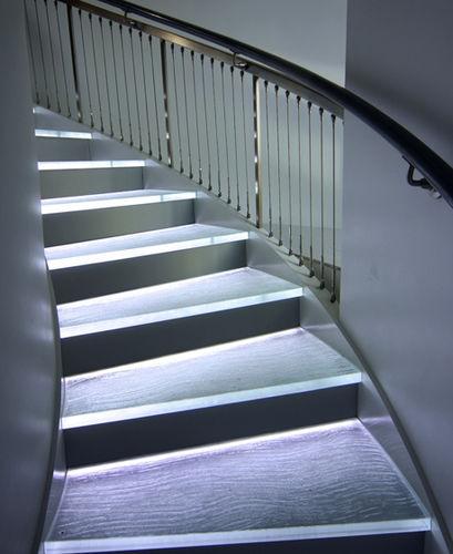 marche en verre / avec LED intégrée