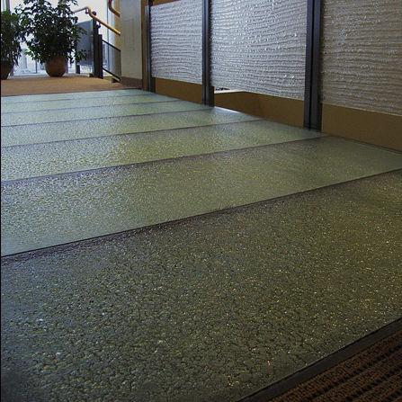 revêtement de sol en verre / pour le tertiaire / en dalles / texturé