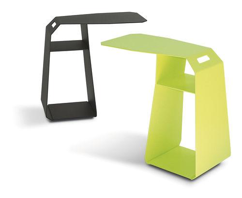 Table d'appoint contemporaine / trapézoïdale / d'extérieur / avec porte-revues UNIT by Laurent Minguet MIIING
