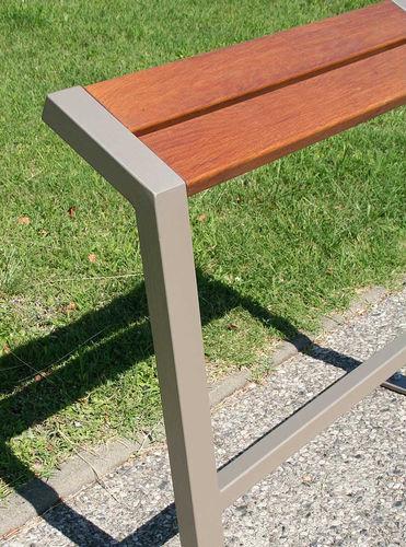 banc assis-debout / public / contemporain / en chêne