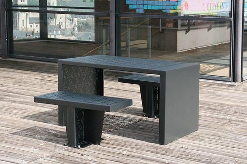Ensemble table et chaises contemporain / en acier / d'extérieur / pour espace public GIRO by Agence PBO Design ACCENTURBA