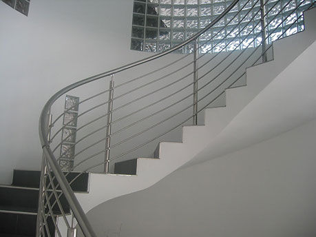 Garde-corps en inox / à barreaux / d\'intérieur / pour escalier ...
