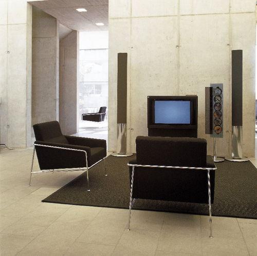 fauteuil design scandinave / en tissu / en cuir / en acier chromé