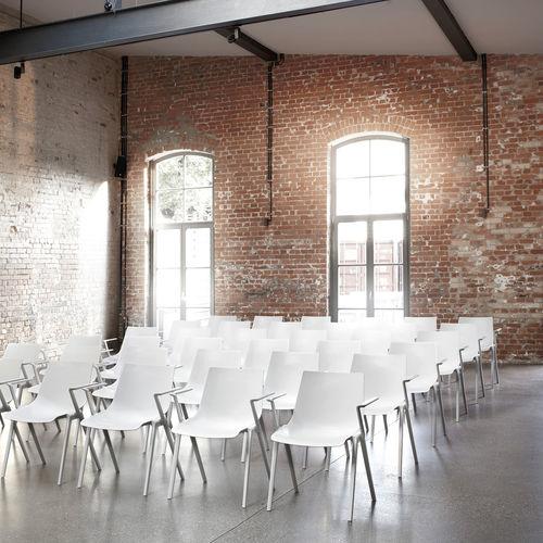chaise de conférence avec accoudoirs - Wilkhahn