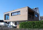 maison préfabriquée / contemporaine / à ossature bois / avec terrasse