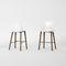 chaise de bar contemporaine / en chêne / en bois massif / aluminium