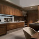 cuisine contemporaine / en bois massif / en noyer / fait main