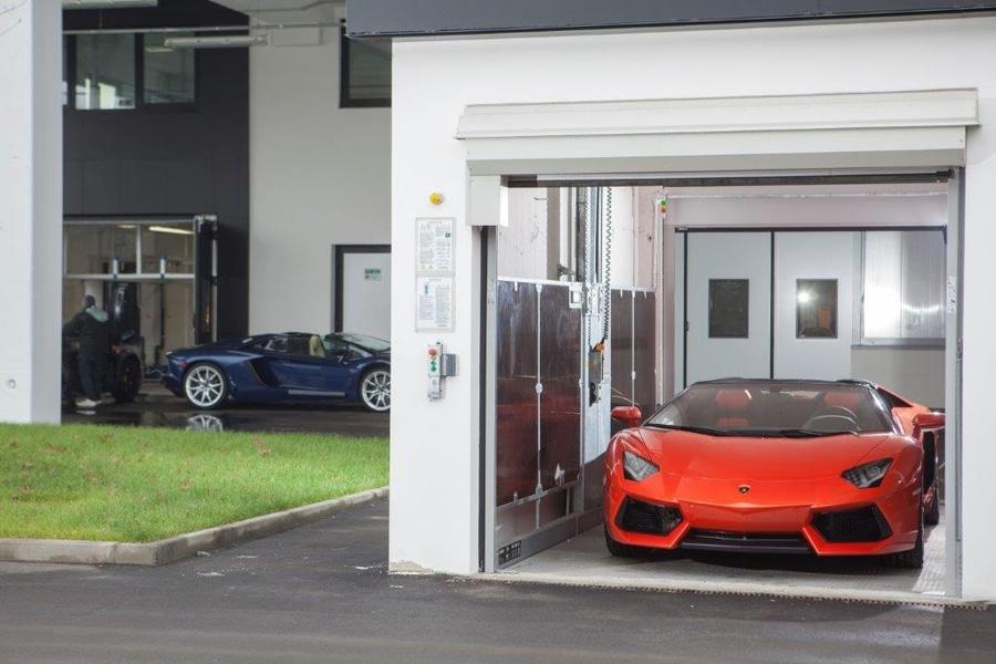 Bien-aimé Ascenseur de voiture pour les voitures de luxe superbes - 40019  YD67