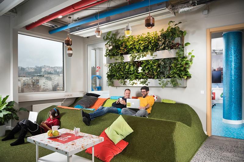 Le bureau de google à budapest par le studio de graphasel design
