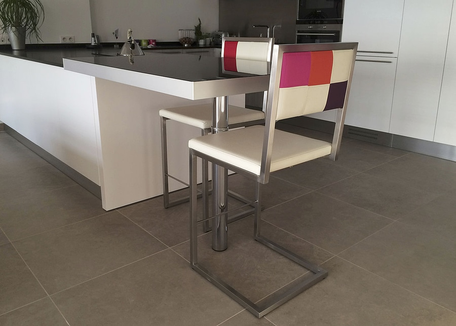 pas cher pour réduction 4e8b9 e90fe Chaise Haute Design Cuisine YK05 | Jornalagora