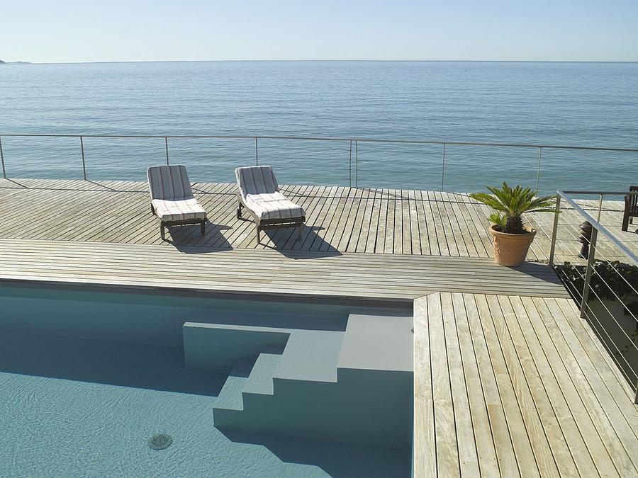 Extrêmement Un escalier-banquette piscine personnalisé - PISCINES CARRE BLEU NK57