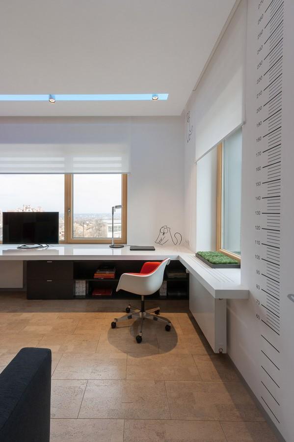 Un Espace Moderne Coloré Pour Un Couple Élégant
