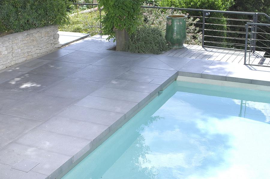 Margelle Et Dallage En Béton Grésé ROUVIERE - Modele de piscine en beton