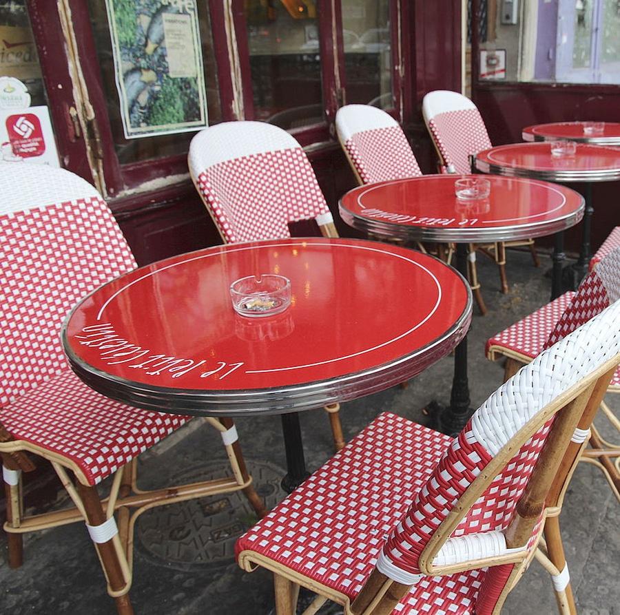 La Table De Terrasse Tradition Bistrot Cafe Parisien Ardamez
