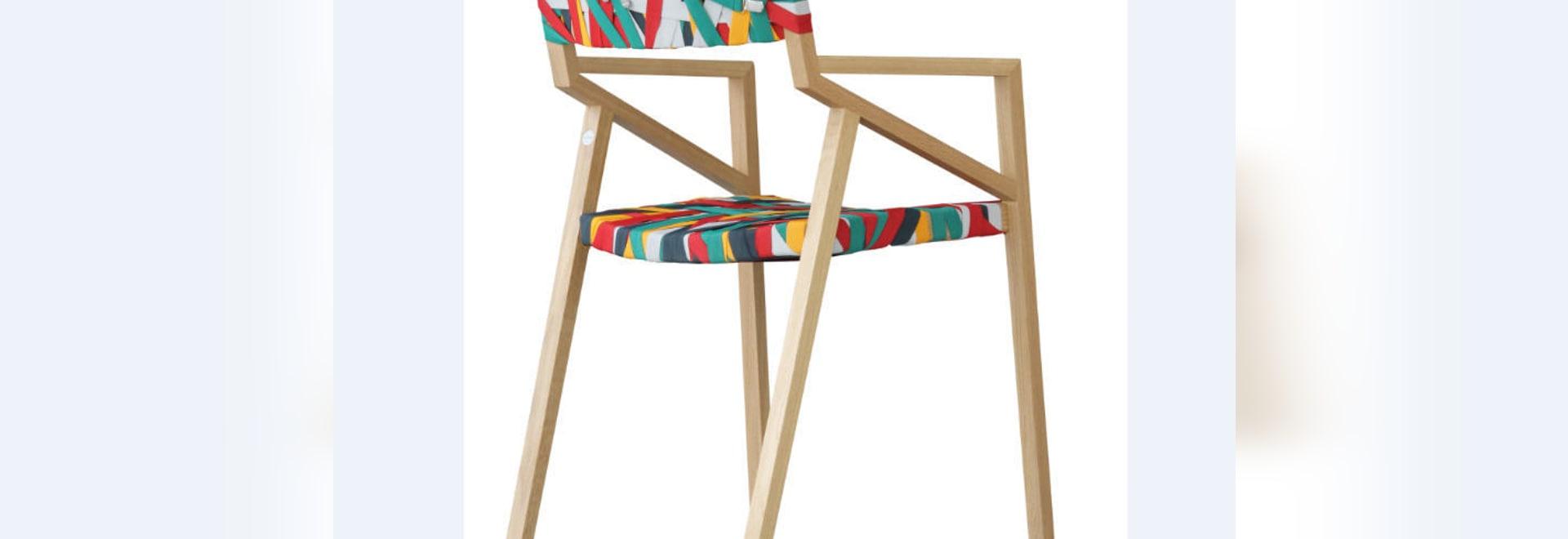 Découvrez la chaise «Bretelle» par Luca Martorano & georgmuehlmann