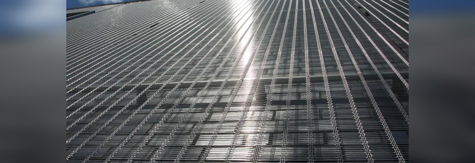 Façades en résille métallique pour l'architecture