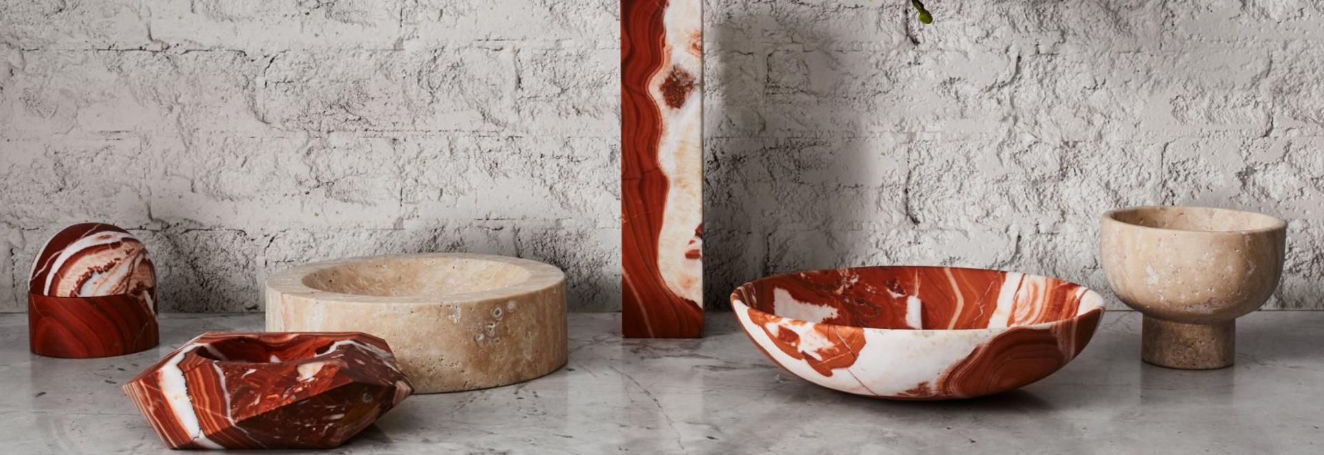Greg Natale lance la collection de marbre, de coquille et d'accessoires décoratifs en laiton