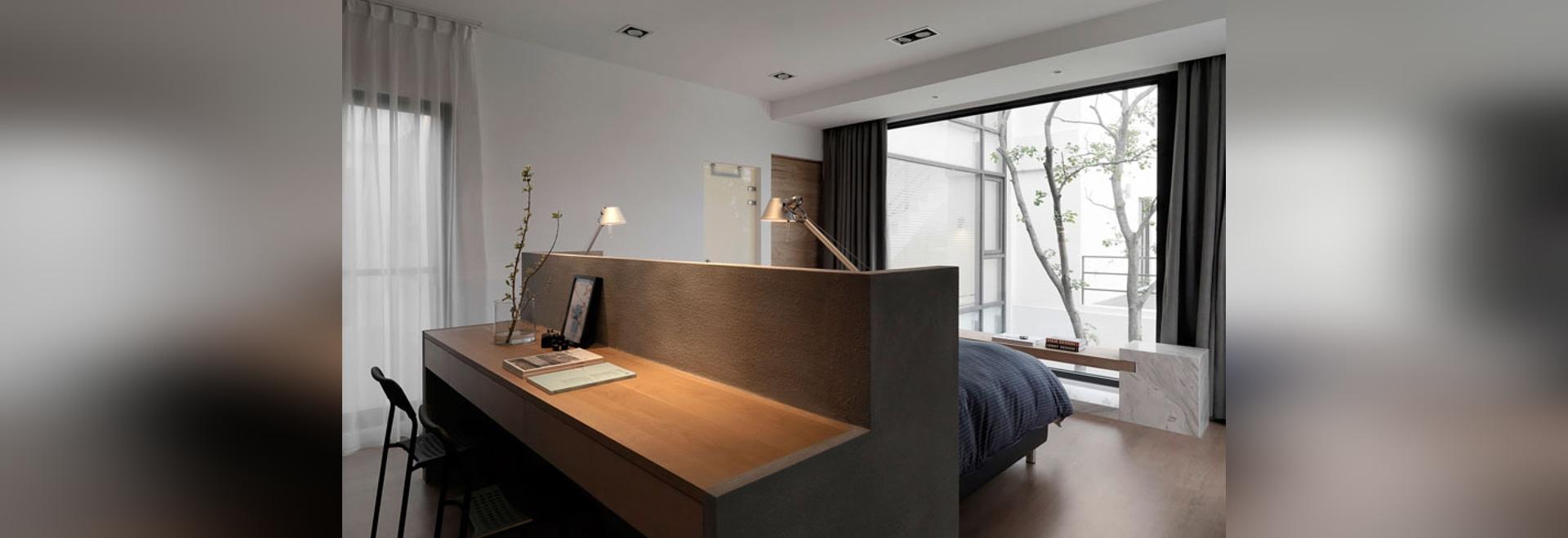 idée de conception de chambre à coucher – un bureau construit dans
