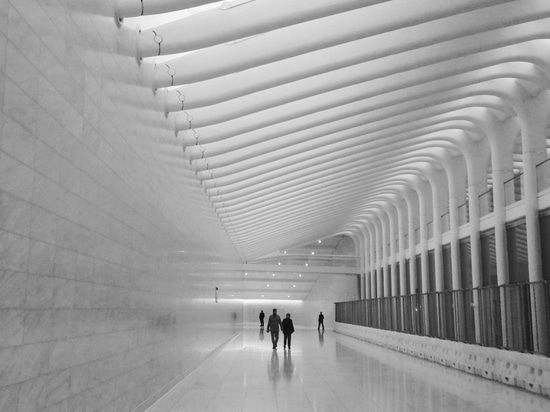 Le concours occidental du hub du passage de Calatrava, qui était la première section à ouvrir. Photographie par l'utilisateur Drocpsu de Flickr