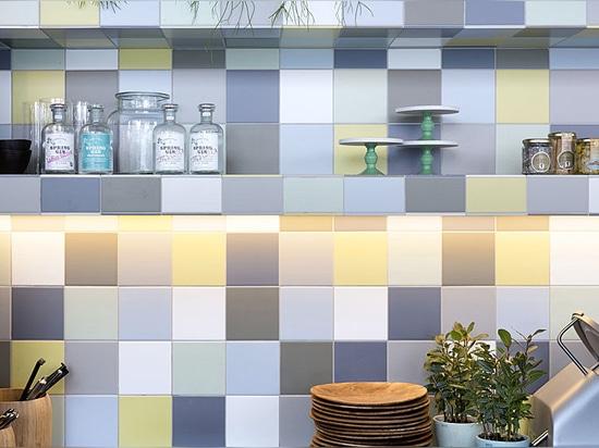 Un concept innovant et unique pour les murs authentiques en carreaux de faïence
