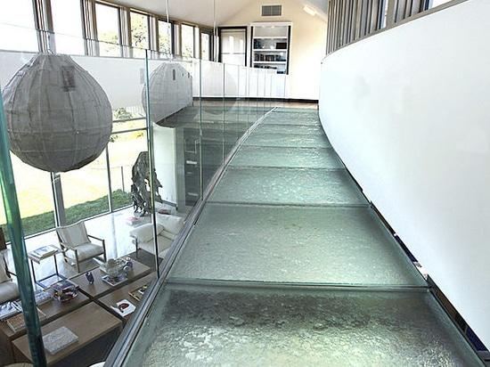 Plancher de verre & passerelles