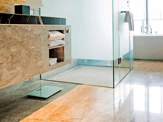 Base de douche de Tileable PROFI minéral avec le drain linéaire de douche