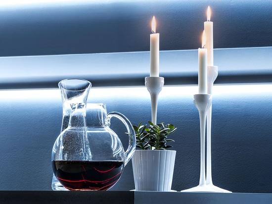 Solutions d'éclairage pour moulures décoratives, plinthes et panneaux muraux