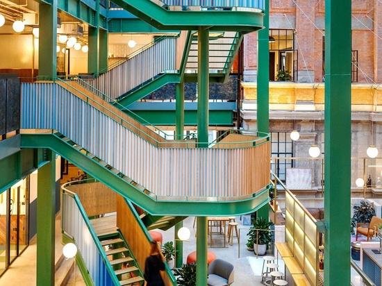 Linehouse apporte la couleur et l'amusement aux bureaux de WeWork à Changhaï, Chine