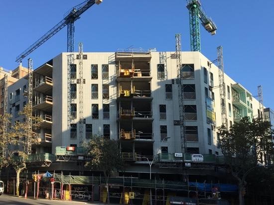 Deux nouveaux programmes de construction de logements avec rainscreen des façades
