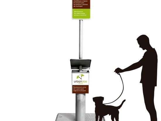 Le collecteur urbain d'urine de chien a installé