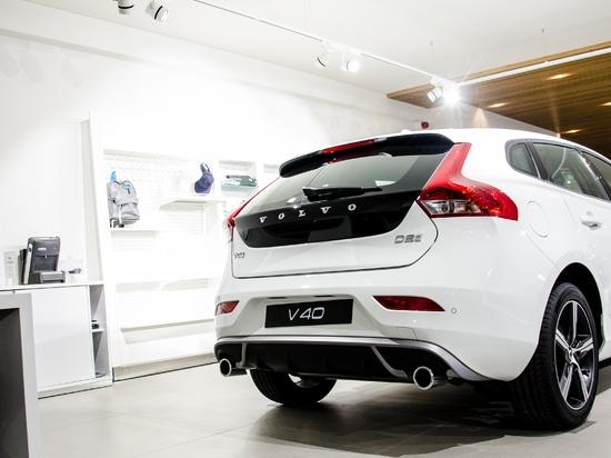 Projet du concessionnaire automobile de Volvo par Brilumen