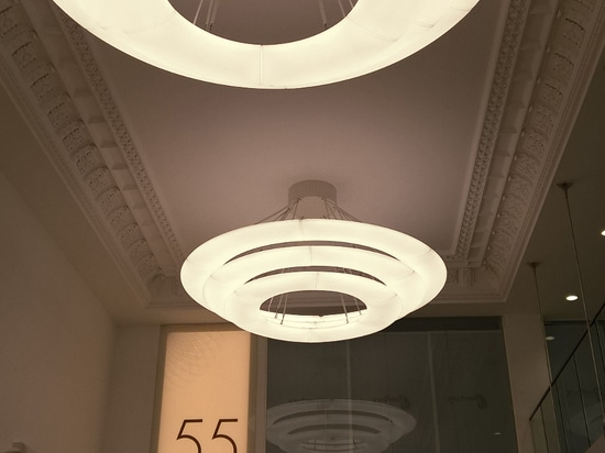 Ring Chandelier glorieux