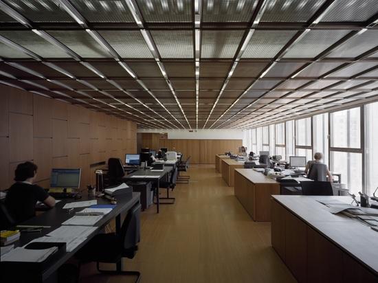 Plafond faux - sièges sociaux de Costacurta ; Milan