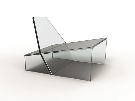 Chaise de bourdonnement par Zanine pour le verre 11
