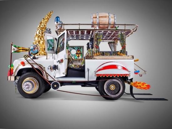 Le travail et Land Rover 2013 de studio. Courtoisie de l'artiste.
