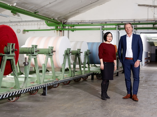 Miriam Arend (studio de conception) et Wouter Hof (swela de directeur de ventes)