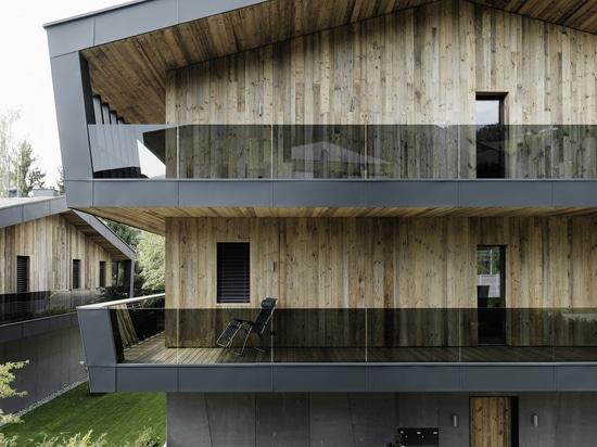 façade faite en fibre de verre concrète dans la conception de cru
