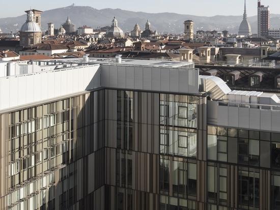 BUREAUX DE REALE MUTUA ASSICURAZIONI À TURIN – EN ITALIE