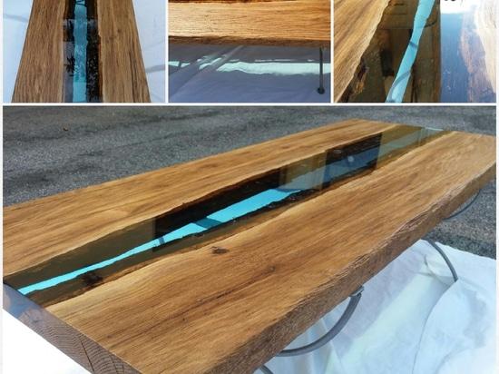 Table de résine de Danubio et en bois