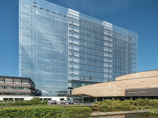 le nouvel de treillis inaugure le nouvel Office européen des brevets en Hollandes