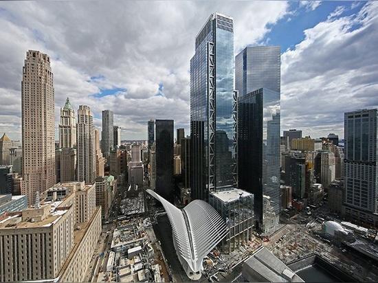 la tour de World Trade Center par le port + les associés de stirk de Rogers s'ouvre à New York