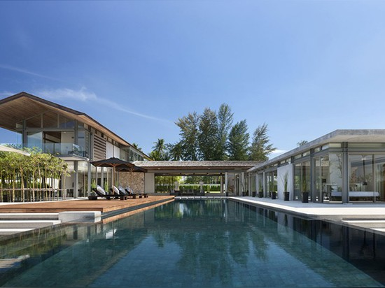 la vision originale construit le sai de sava autour d'une piscine de 25 mètres